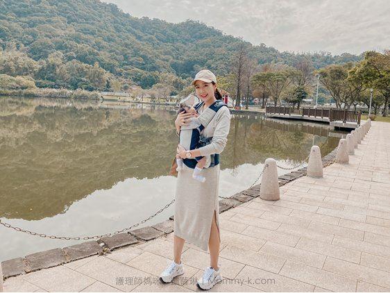 護理師媽咪katherine使用BECO雙子星背巾背寶寶感覺特別輕鬆