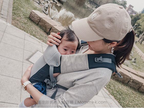 護BECO雙子星背巾讓寶寶有安全感