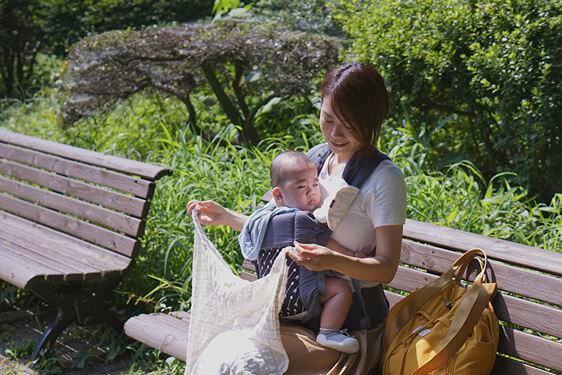 明太子小姐使用BECO背巾