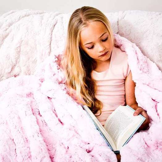 Max Daniel成人毯粉紅貂紋是客廳客房最佳的裝飾品