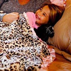 好萊塢明星最愛的寶寶毯粉邊美洲豹寶寶毯子