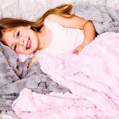 好萊塢明星最愛的粉紅貂紋寶寶毯子